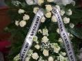 Zakład pogrzebowy Olimp Łask - wieniec z szarfami