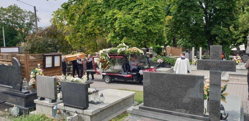 Karawany pogrzebowe Olimp Łask