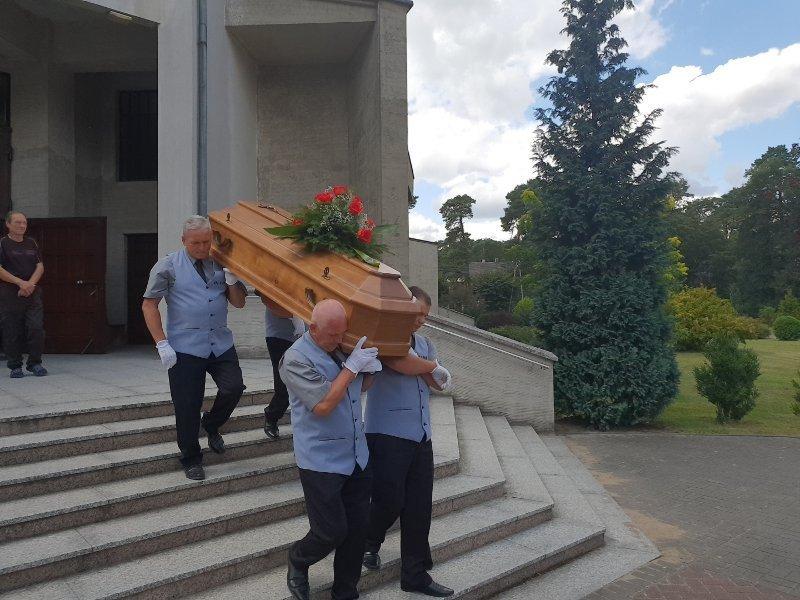 Podczas pogrzebu - Olimp Łask